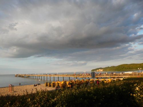 Ostseestrand mit Seebr�cke