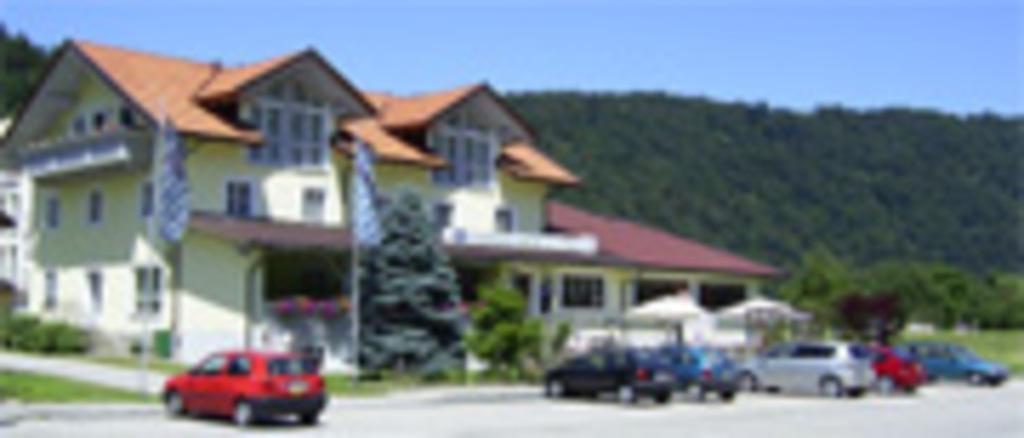 Ferienwohnungen beim Hotel zur Post, Erlau, Ferien