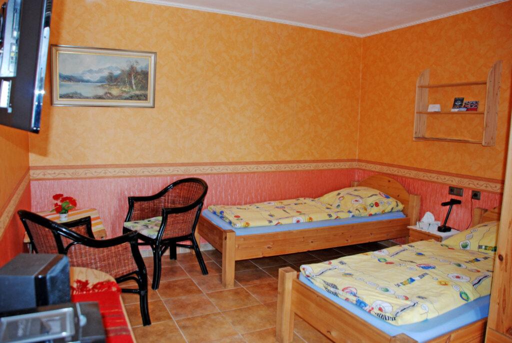DEB 004 Gasthaus Crampas, 02 Doppelzimmer