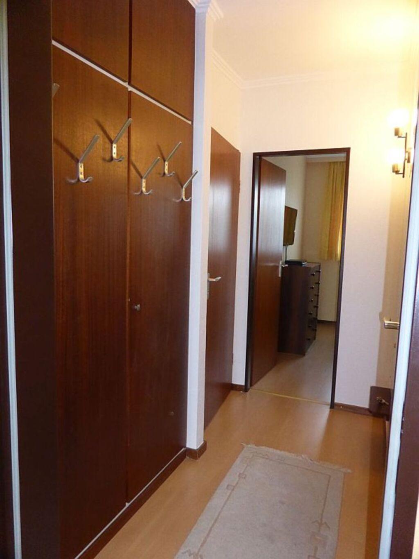 Muschelbank, Wohnung 8