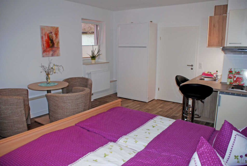 Ferienappartements mit Schwimmbad, 13 2-Raum-Appa