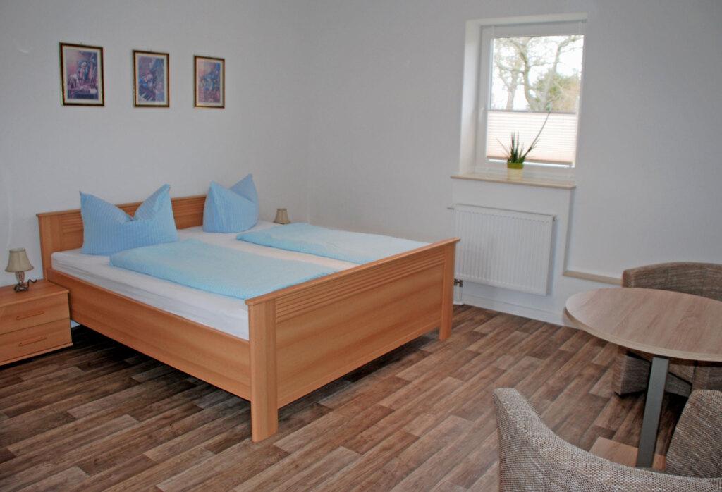 Ferienappartements mit Schwimmbad, 12 1-Raum-Feri