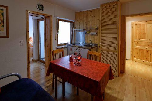 2. kleinere Wohnung Küche