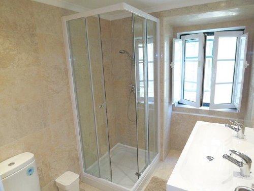 Dusche mit Glastüren Altstadthaus