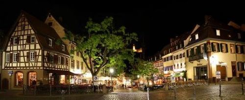 Der Marktplatz in 200m Entfernung