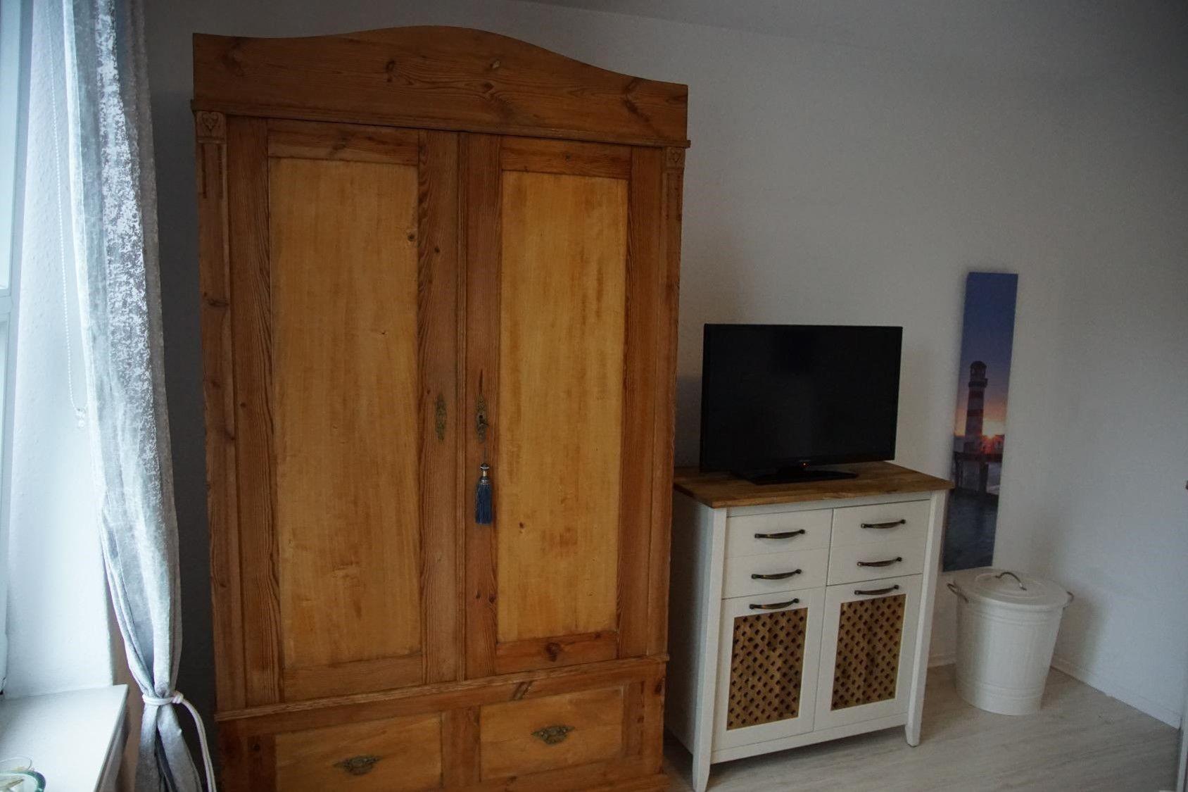 TV auch im Schlafzimmer