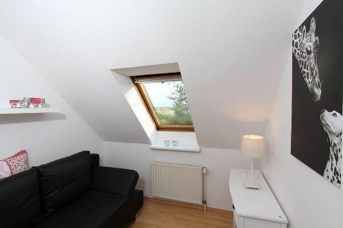 kleines Schlafzimmer unten