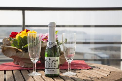 Sonniges Apartment mit Balkon/Meerblick