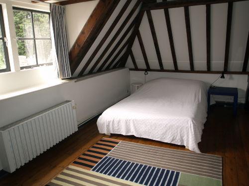 Das Zweibettzimmer (die 1. Etage)