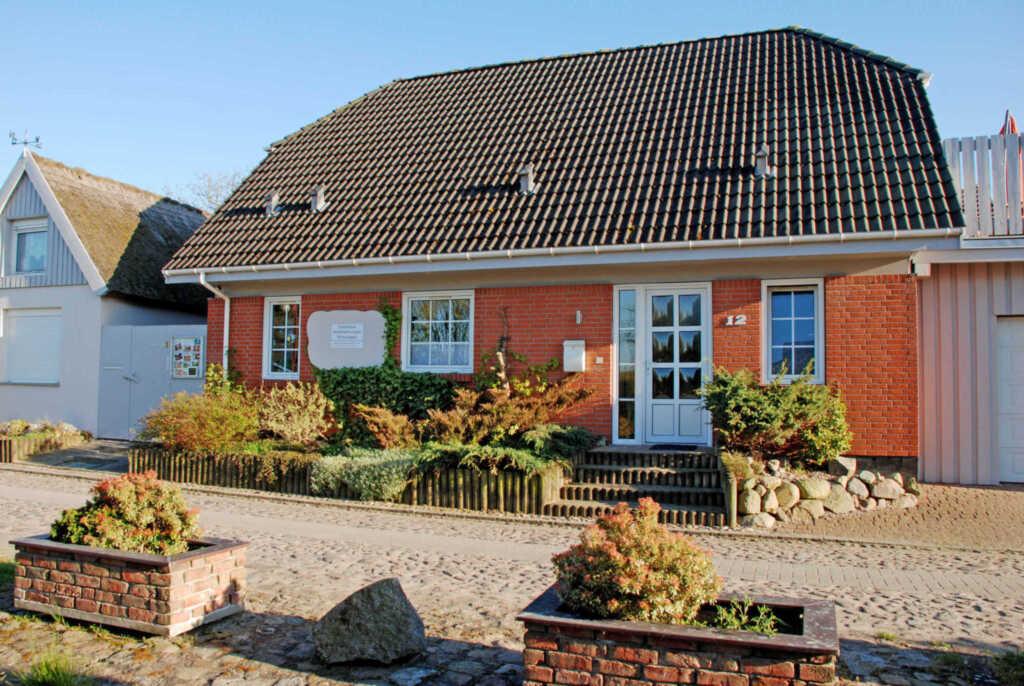 Ferienhaus und -appartemenents in Neu Reddevitz, F