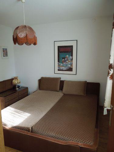 Schlafzimmer (vom Bad aus)