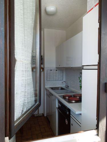 Küche (vom Balkon)