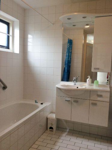 Unten 1e badezimmer