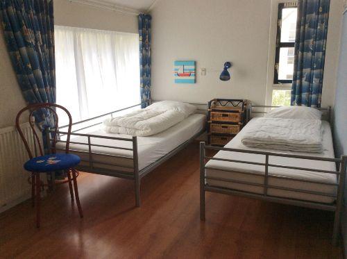 Oben 3e Schlafzimmer, matratze 90x 200