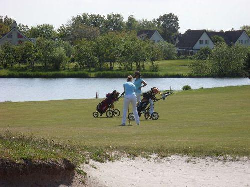 9 Loch Golfplatz Par 70, A Status