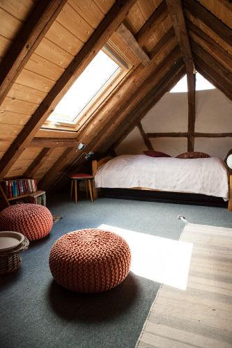 Einzelbett im Dachgeschoß Wohnung 1