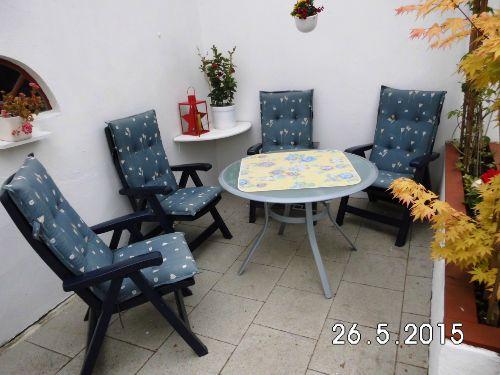 unsere überdachte Sitzecke im Garten