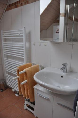 Bad mit Dusche im Obergescho�
