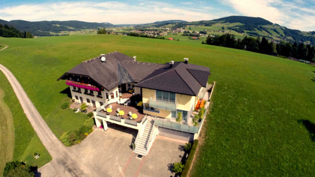 Gästehaus Stabauer, Dreibettzimmer mit Balkon oder