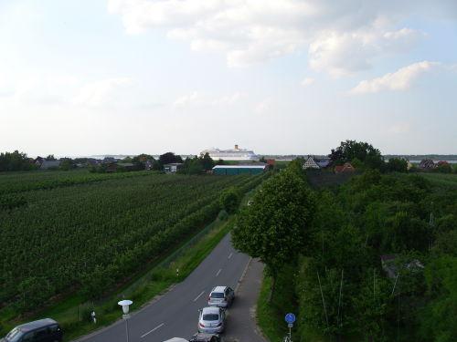 Blick von der Mühle zur Elbe