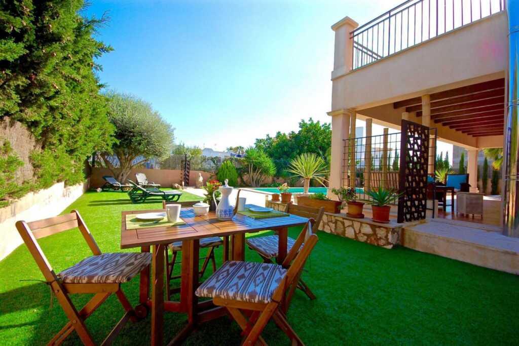 44249 Villa Los Abellanes