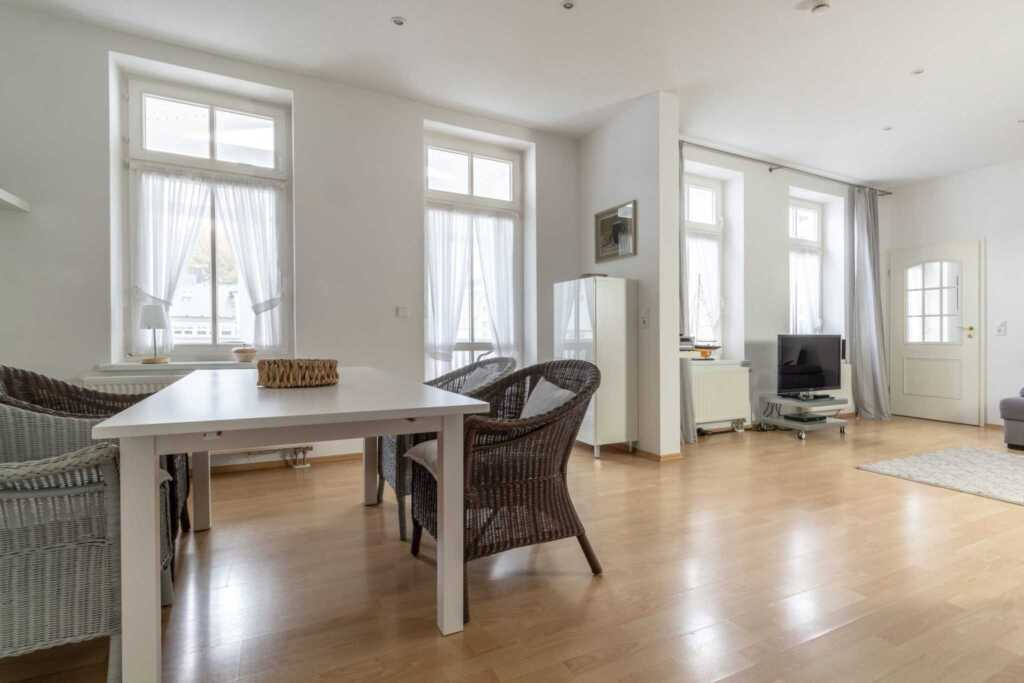 Villa Eden, 2 - Raum - Apartment (A.4.10), mit Bal