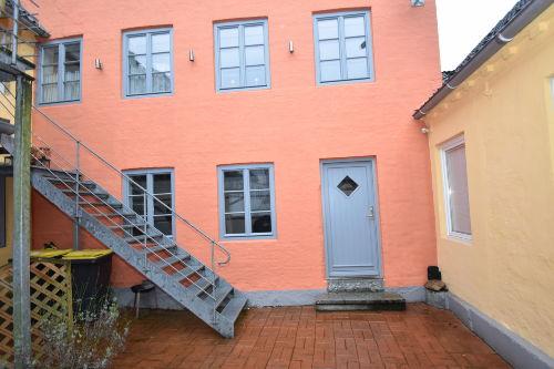 """Eingang zu """"Lotte"""" im Innenhof"""