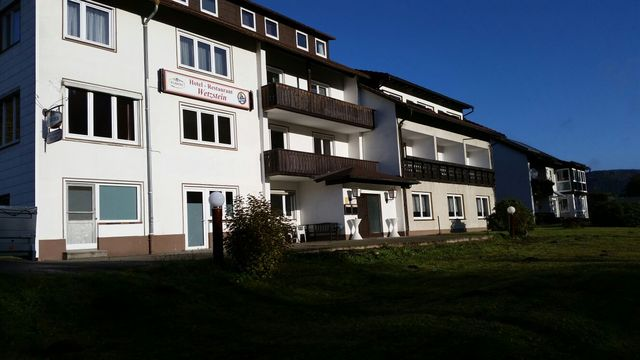 Hotel-Pension Dressel, Zimmerkategorie B: Zimmer 2