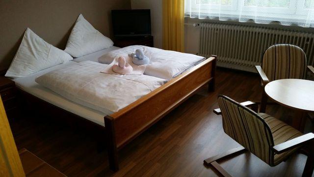 Hotel-Pension Dressel, Zimmerkategorie C: Zimmer 2