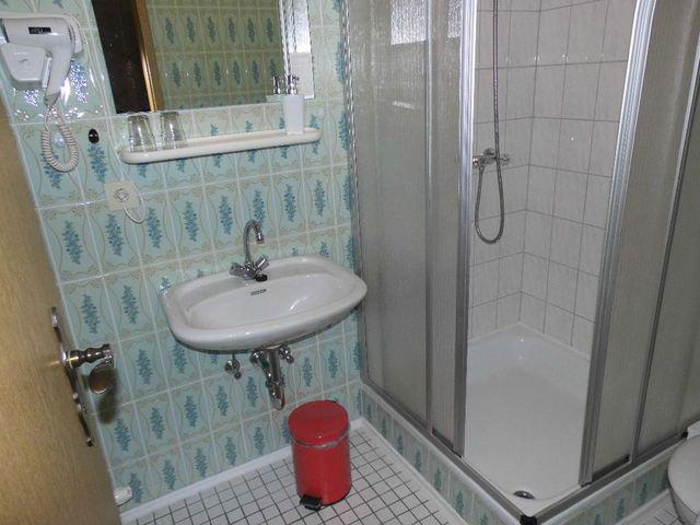 Hotel-Pension Dressel, Zimmerkategorie E: Zimmer 8