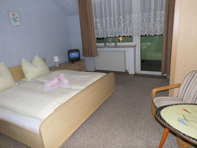 Hotel-Pension Dressel, Zimmerkategorie D: Zimmer 6