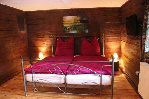Schlafzimmer Almrausch im OG