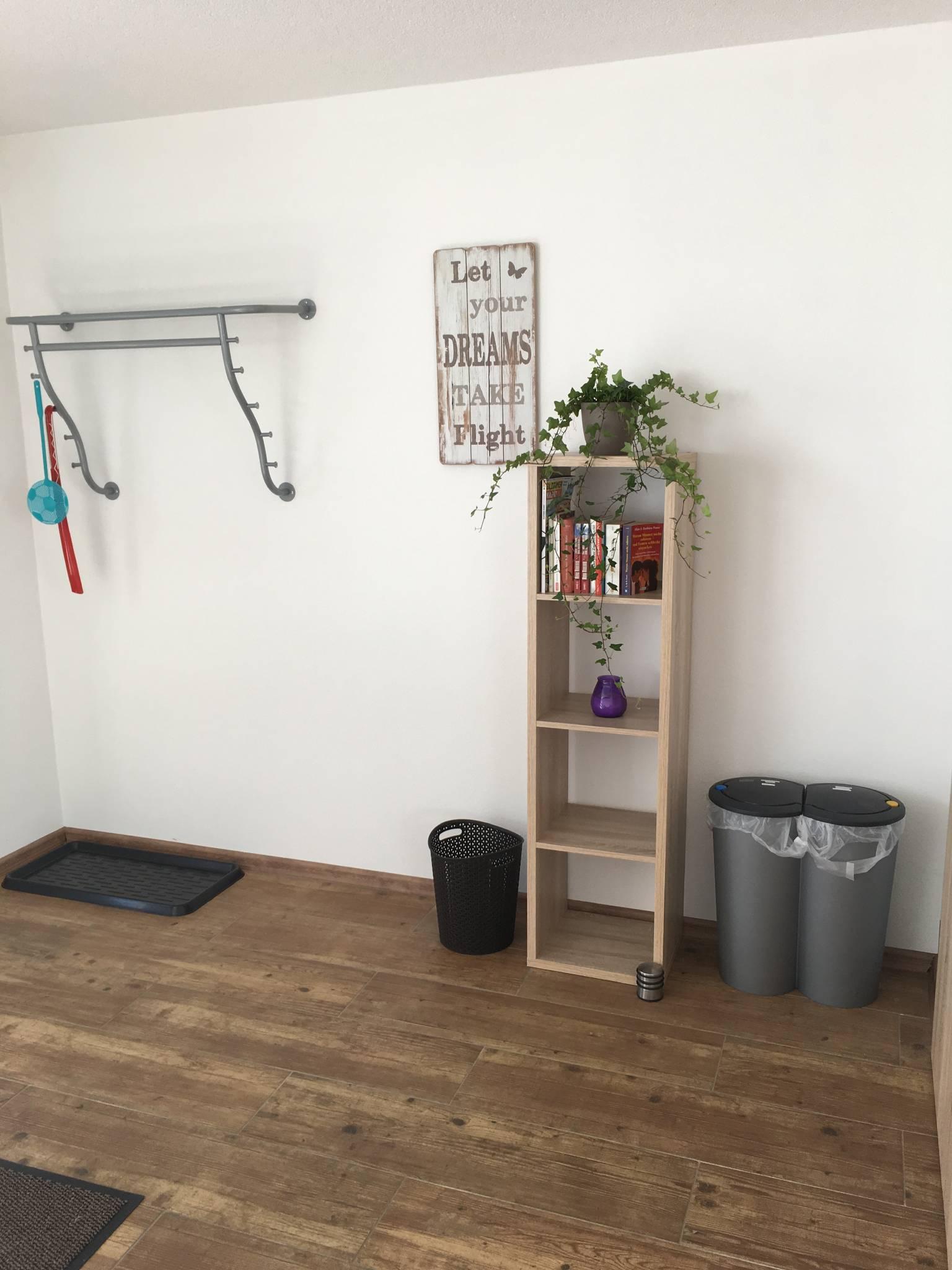 Wohn-Küche mit Zugang zum Schlafzimmer