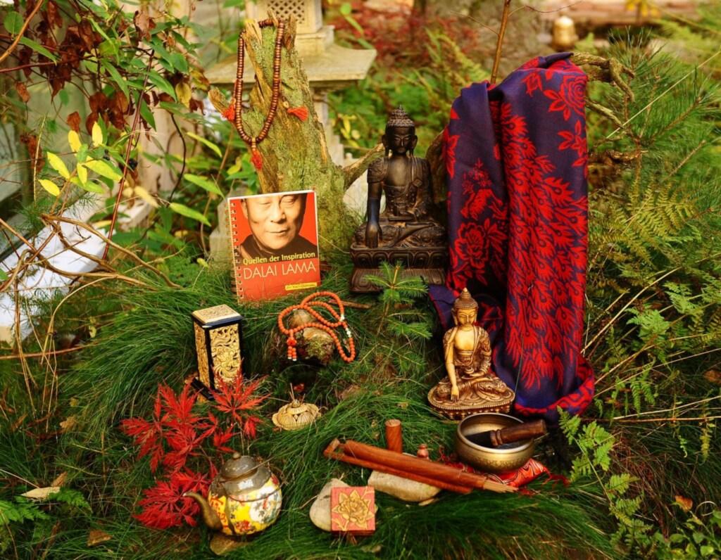 Buddhas Weg - Kloster-Seminar- und Gästehaus, Drei