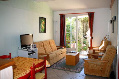 Wohnzimmer mit hochwertiger Einrichtung