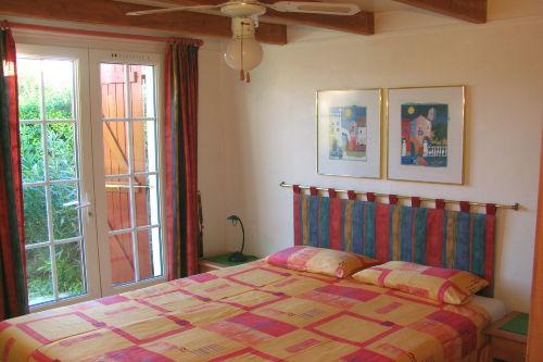 komfortables Schlafzimmer im EG