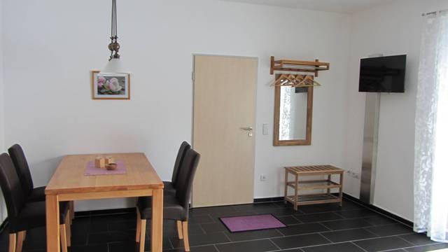 Ferienwohnung 'Am Alten Forsthaus Neuenbau', Wohnu