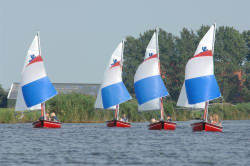 Versch Segelboote zu mieten Segelschule