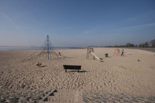 Strand am IJsselmeer knapp Km. entfernt
