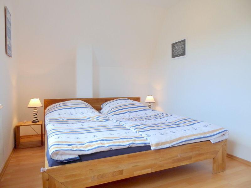 2. Schlafzimmer mit maritimen Flair