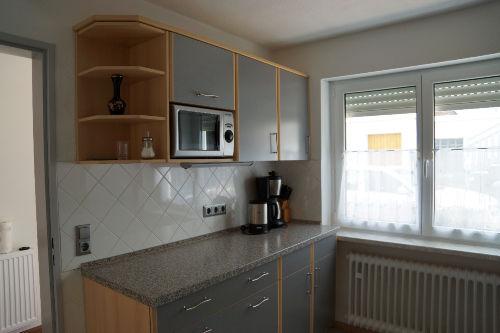 Küche mit Wasserkocher Kaffemasch. u.v.m