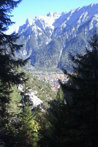 Blick auf Mittenwald u. Karwendelgebirge