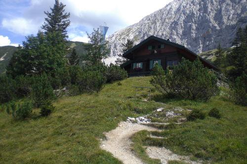 Hochlandhütte mit Wörner