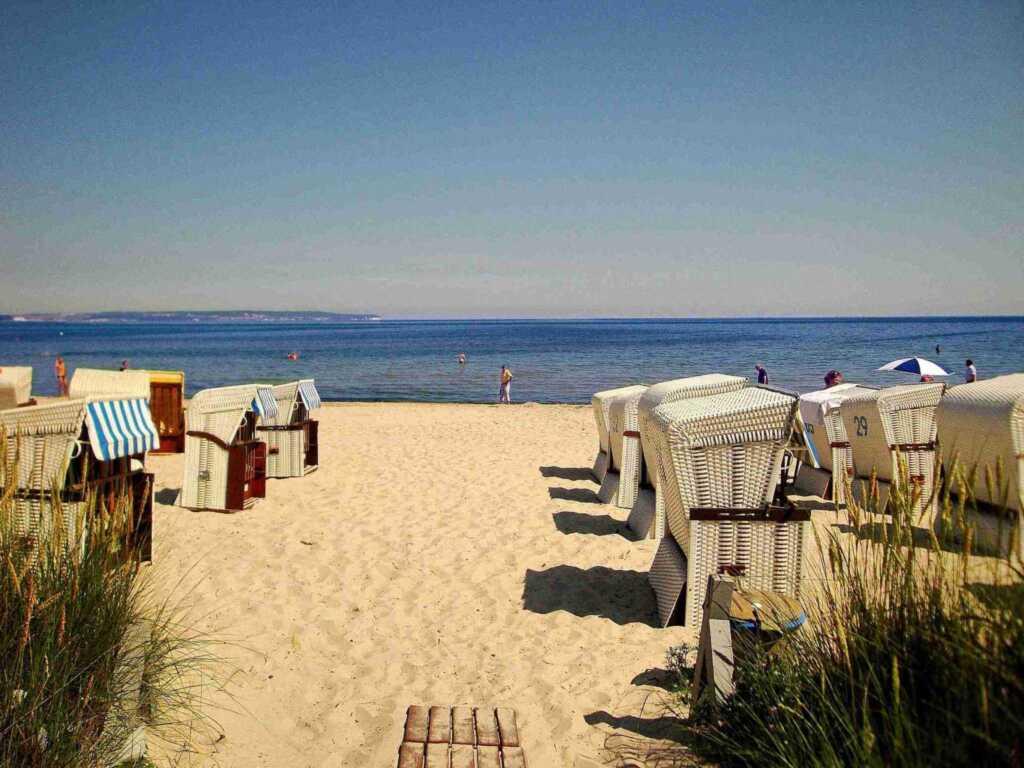 Binz 06 - Seeschloss direkt an der Strandpromenade