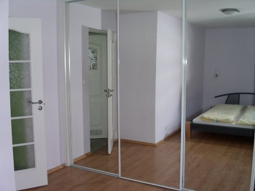 Schlafzimmer, Foto auf Spiegelschrank