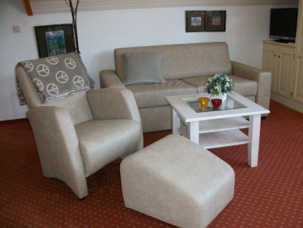 Frauke Zschage - Heideweg 23, Wohnung rechts