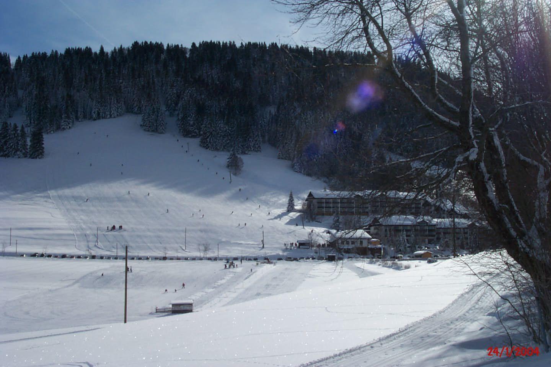 Blick vom Skihang auf die Wohnung