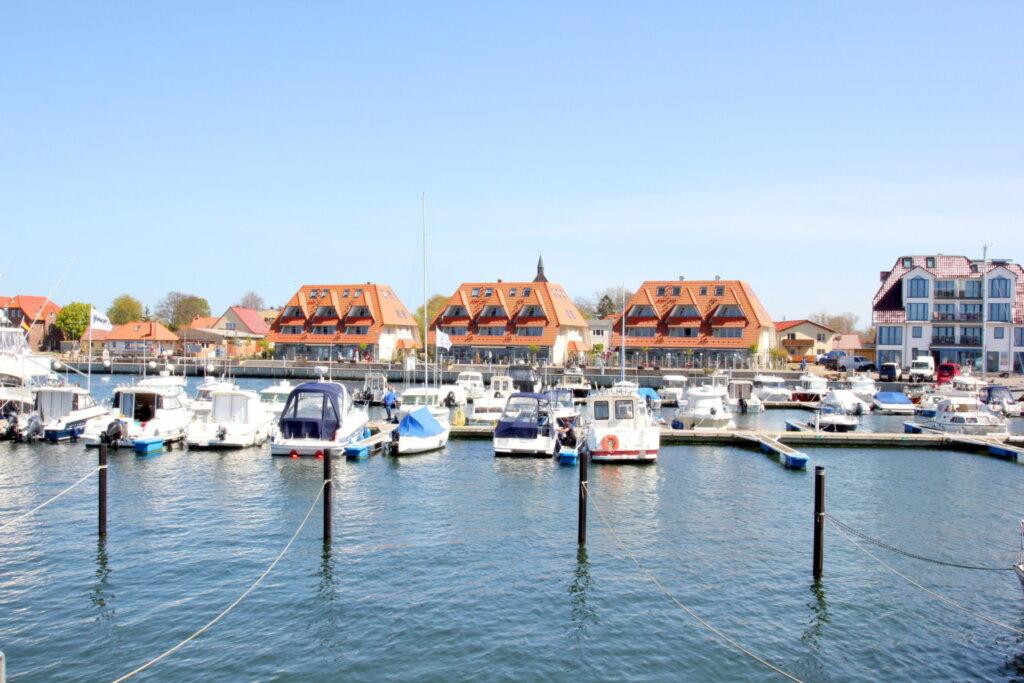 Hafenhäuser Wiek, C 12: 74m²; 3-Raum; 4 Pers; Bal