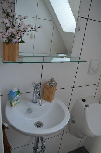 Toilette mit Pisoar