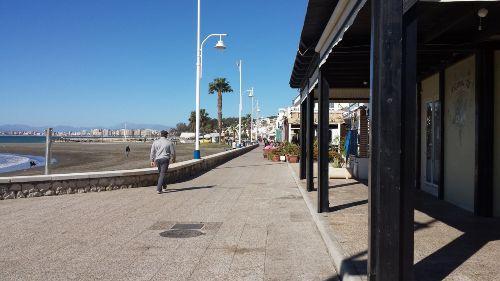 Lange Promenade direkt am Meer